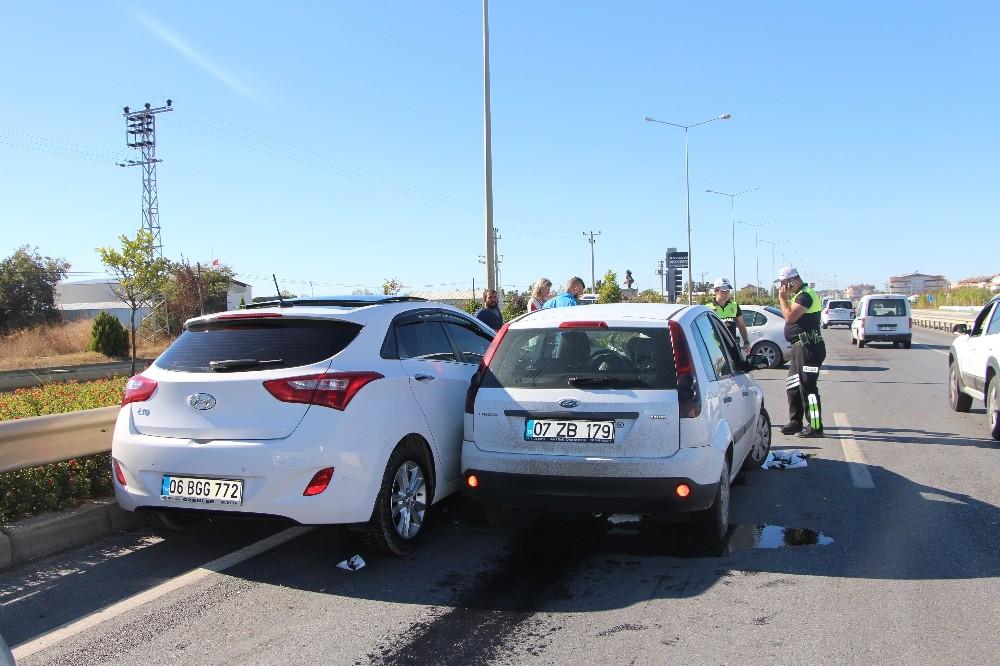 Araçtan boşalan yağ zincirleme trafik kazasına sebep oldu: 1 yaralı