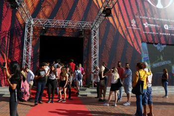 Cem Yılmaz'ın Antalya'daki söyleşisine yoğun ilgi