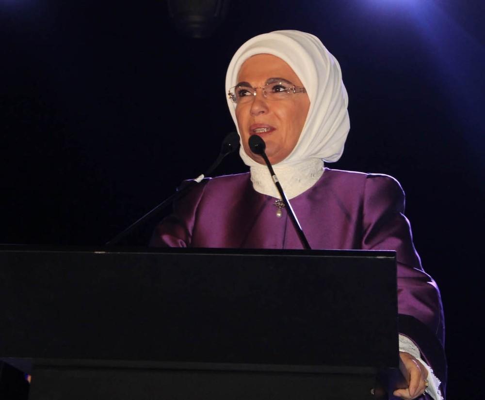 """Emine Erdoğan: """"Kadına şiddet insanlığa ihanettir"""""""