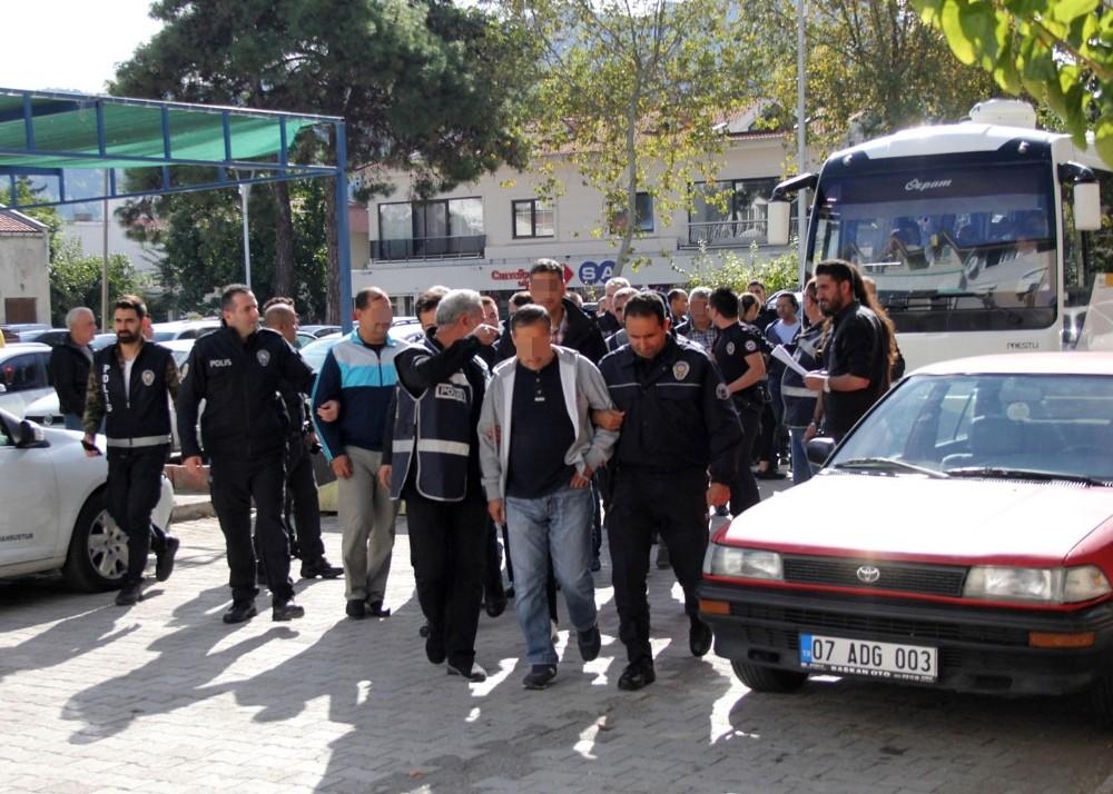 Kemer Belediyesine yolsuzluk operasyonu: 20 gözaltı (2)