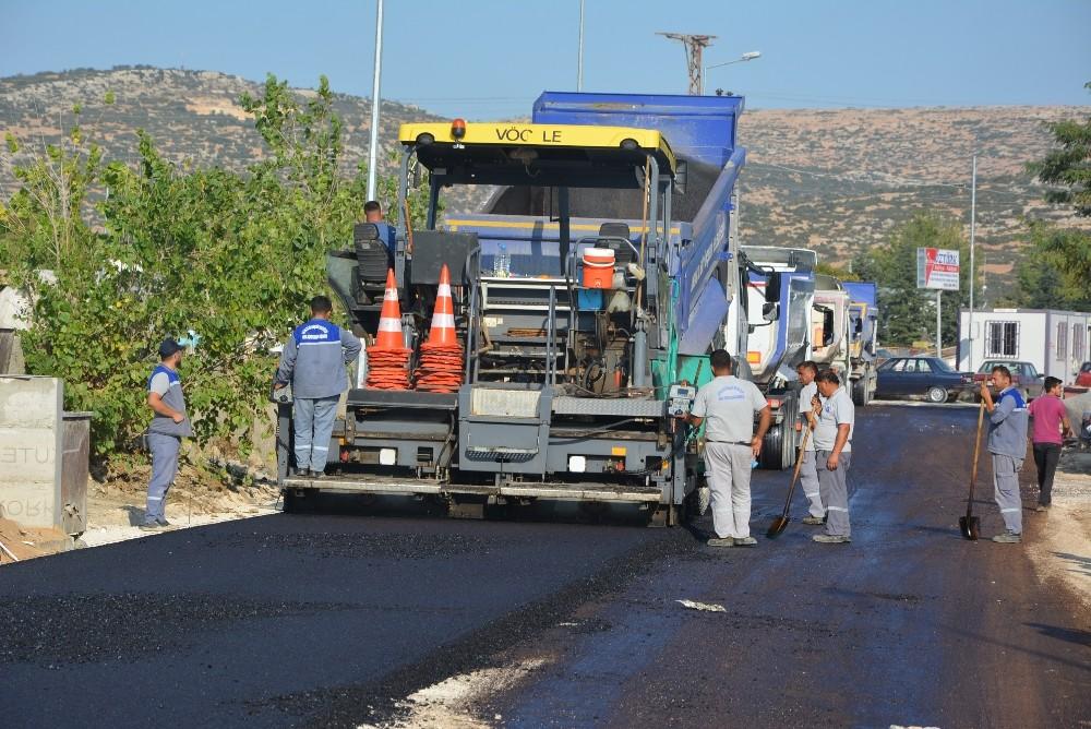 Korkuteli Sanayi Sitesine sıcak asfalt