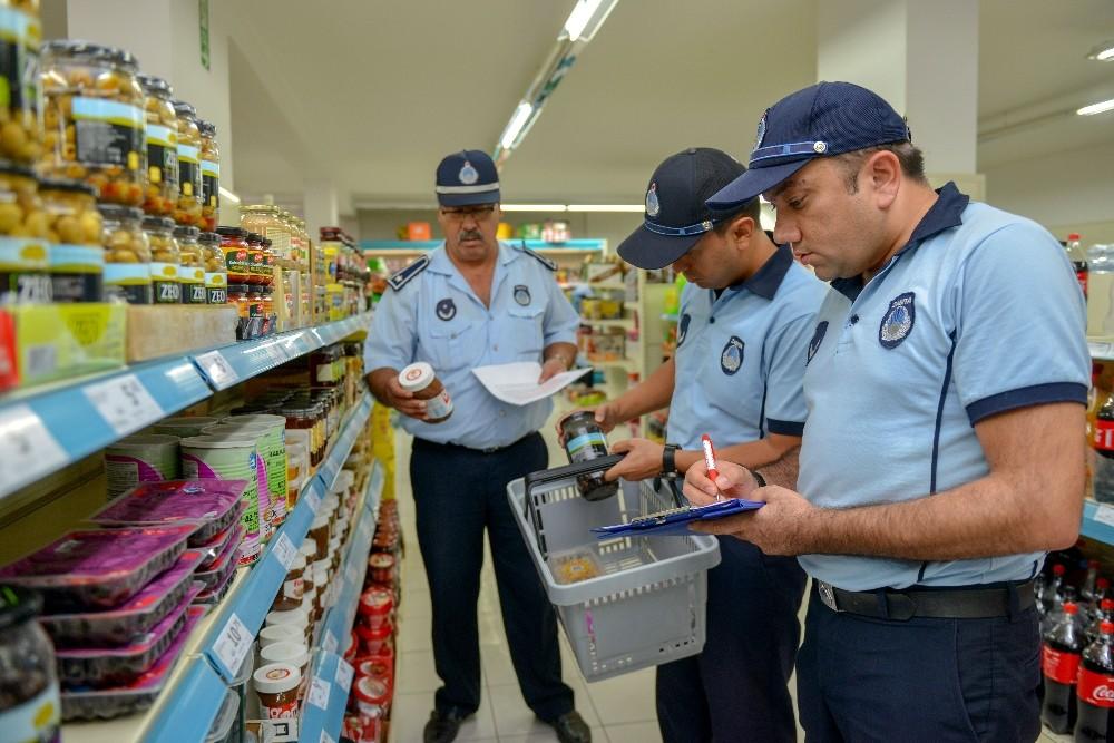 Kumluca'da marketlerde fiyat ve gramaj denetimi