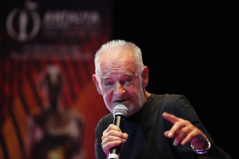 """Macar yönetmen Bela Tarr: """"Bir filmi çekmeden 2 yıl avcılık yapıyorum"""""""