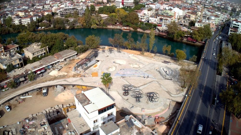 Manavgat'ın Haritası Kent Meydanına işleniyor