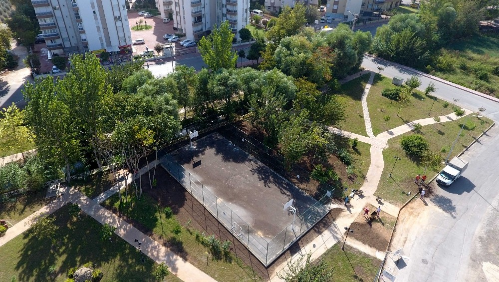 Muratpaşa Belediyesi, Güzeloluk'ta parkları 2'ye katladı