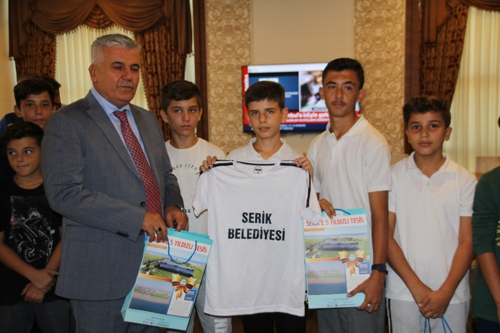 Serik Belediyesinden Amatör Spor Kulüplerine destek