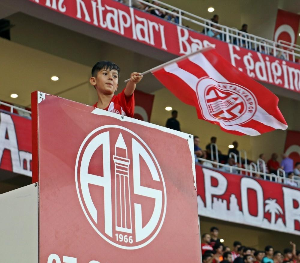 Spor Toto Süper Lig: Antalyaspor: 0 – Galatasaray: 0 (Maç devam ediyor)