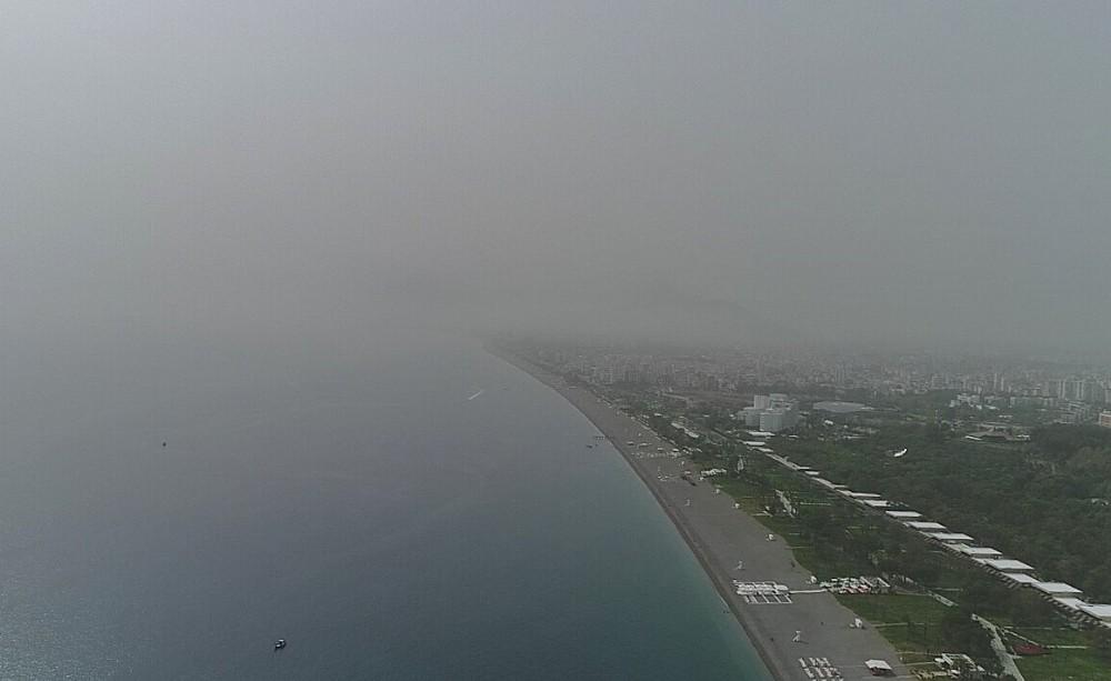 Suriye üzerinden gelen toz bulutu Antalya'ya giriş yaptı