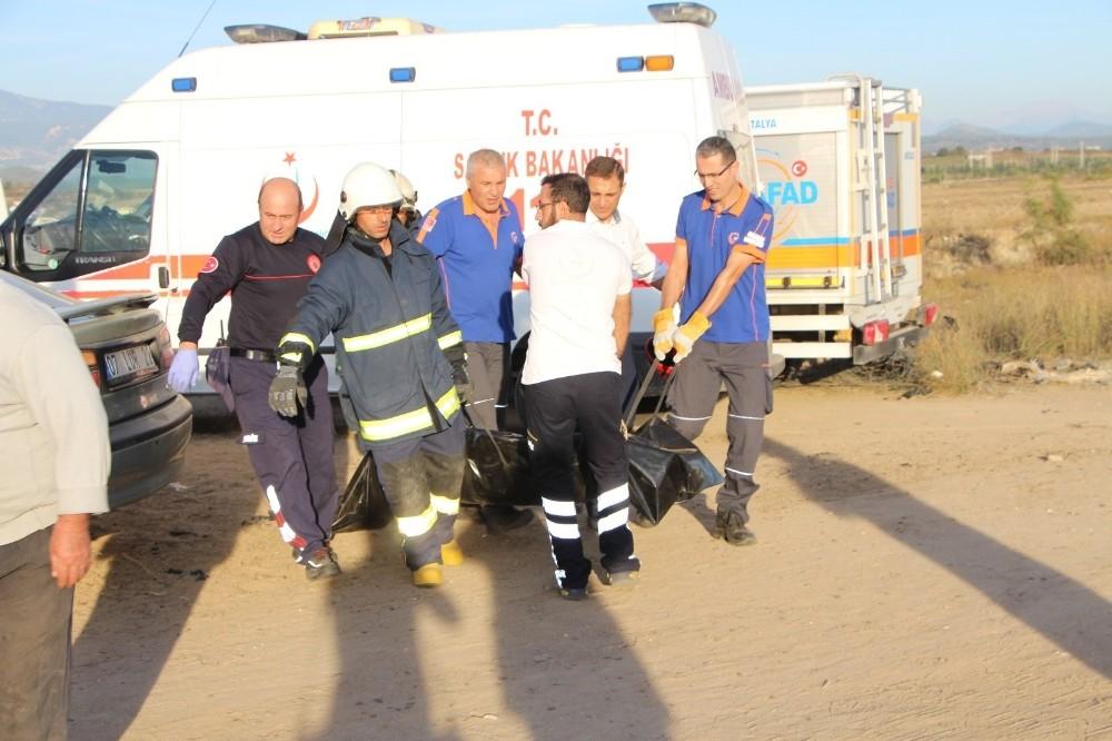 Uçak kazasında ölen pilot ve yardımcısının cenazeleri Adli Tıp'a gönderildi