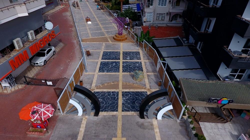 Alanya Hacet'te meydan projesi başladı