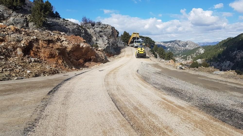 Alanya Koşdavut Yolu asfaltlandı