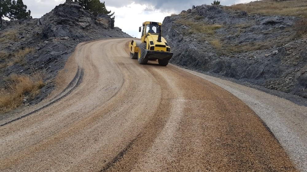 Alanya yaylalarında 50 kilometre yol asfaltla buluştu
