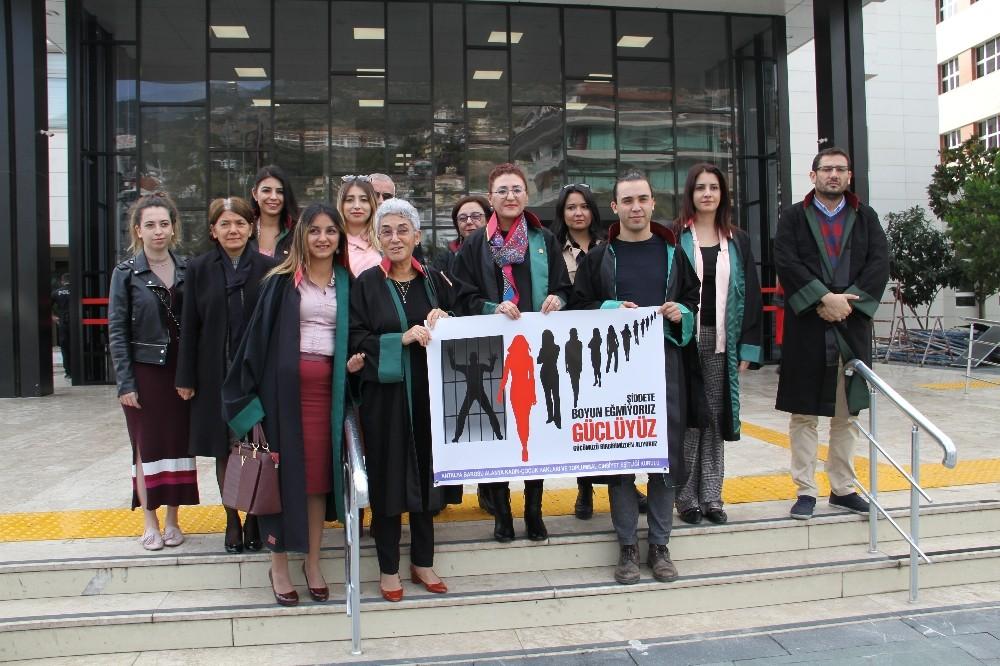 Alanya'da avukatlardan kadın hakları açıklaması