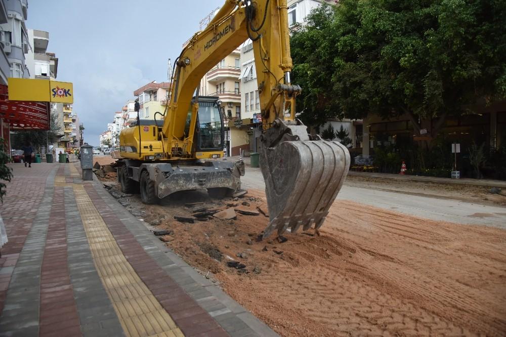 Alanya'da cadde yenileme çalışmaları