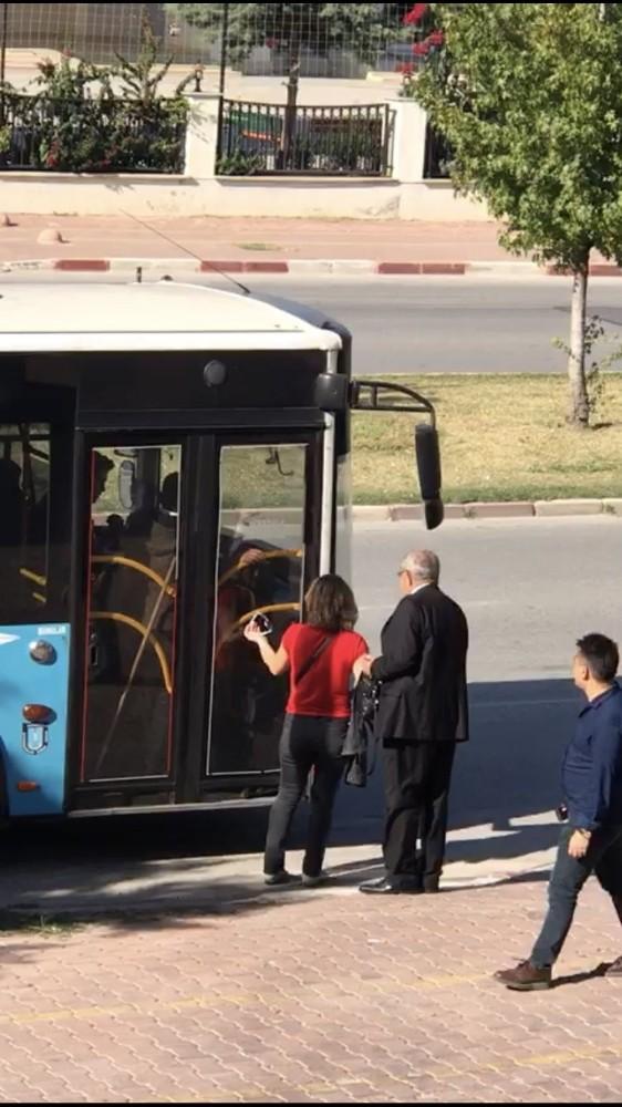 Antalya Büyükşehir gaziyi araçtan indiren şoförü affetmedi