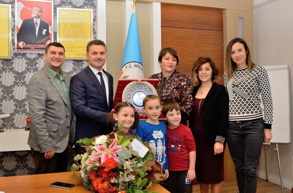 Antalya'da 24 Kasım Öğretmenler Günü kutlamaları