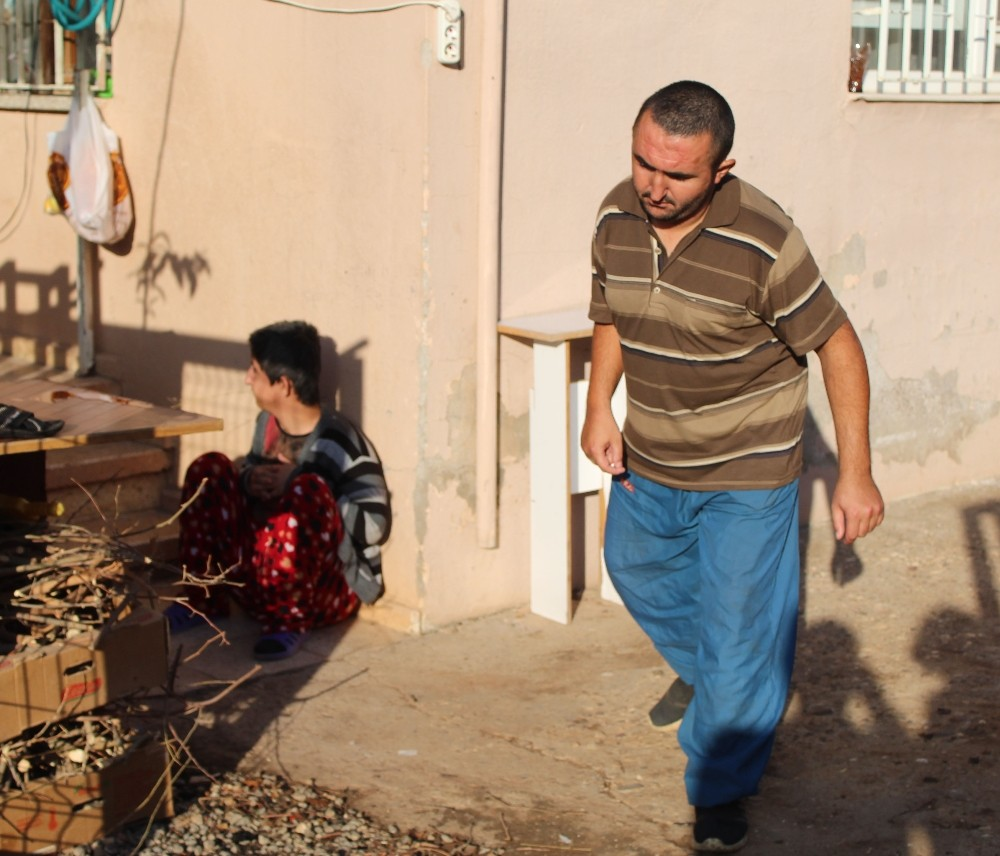 Antalya'da hırsızlar ikinci kez engelli gençleri eve mahkum etti