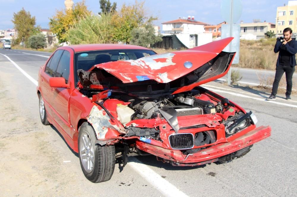 Antalya'da trafik kazası: 6 kişi yaralandı