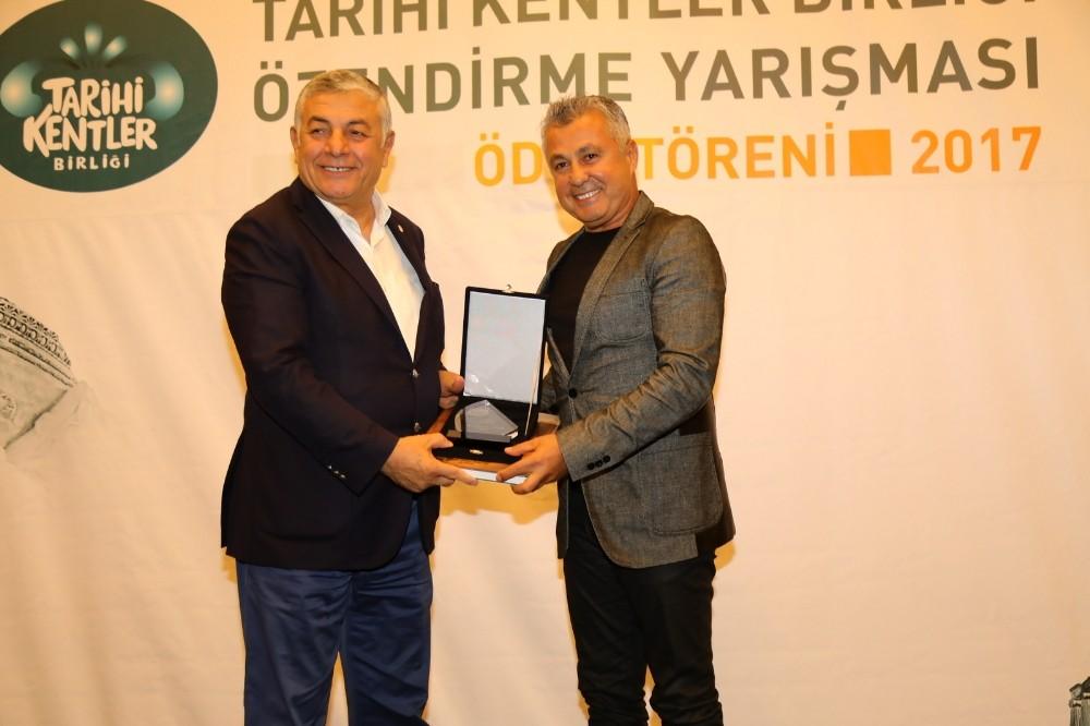Başkan Sözen'e başarı ödülü