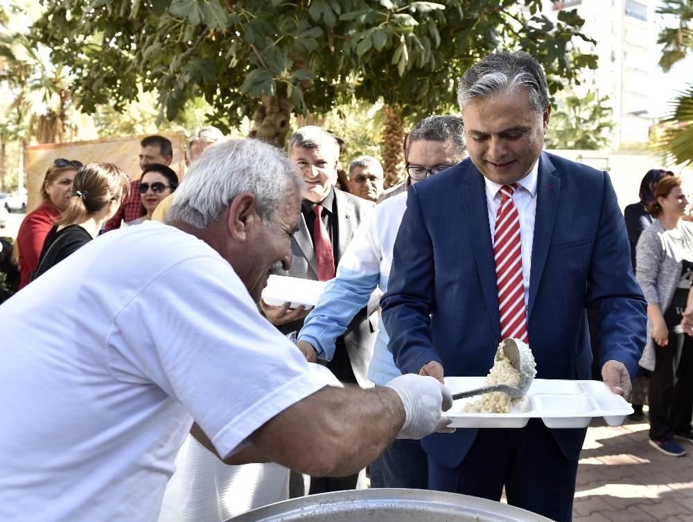 Başkan Uysal keşkek gününe katıldı