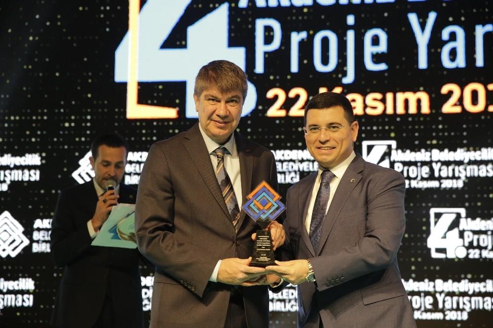 Büyükşehir'in projeleri ödülle taçlandı