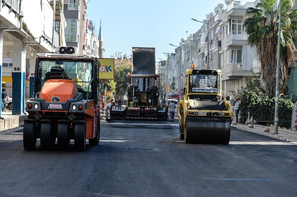 Cumhuriyet Mahallesi'nde asfalt çalışması