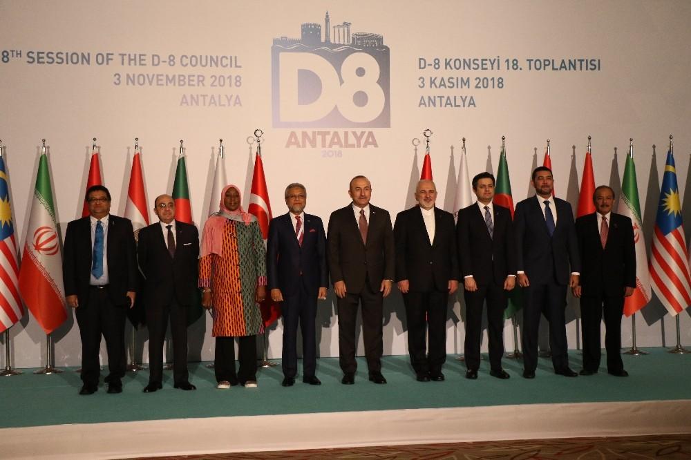 """Dışişleri Bakanı Çavuşoğlu: """"Ticaret savaşlarının olduğu bir dönem yaşıyoruz"""""""