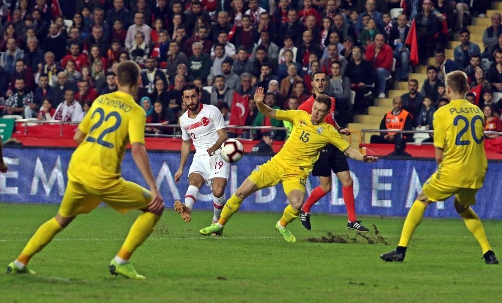Hazırlık maçı: Türkiye: 0 – Ukrayna: 0 (İlk yarı)