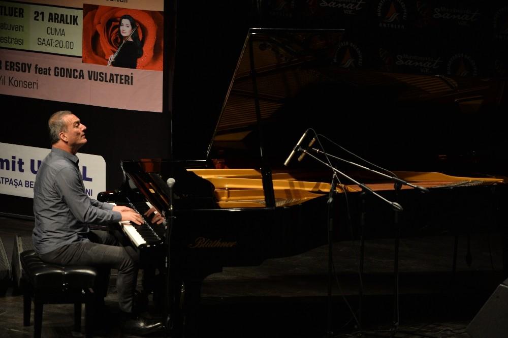 Kerem Görsev Trio'dan muhteşem performans