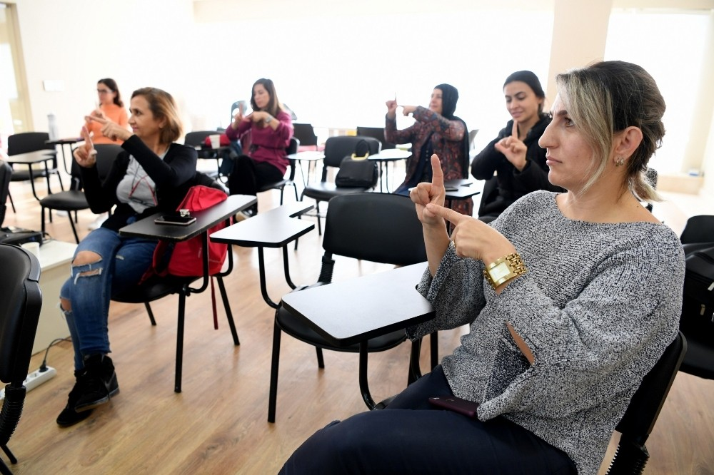 Konyaaltı'nda vatandaşlara, İşaret Dili Kursu