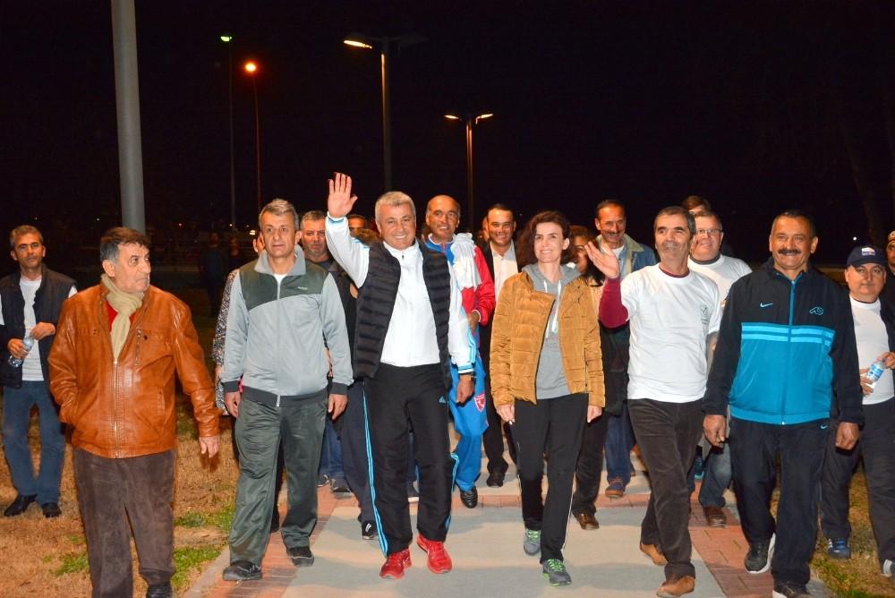 Manavgat Irmak Kenarı'nda vatandaşların spor keyfi