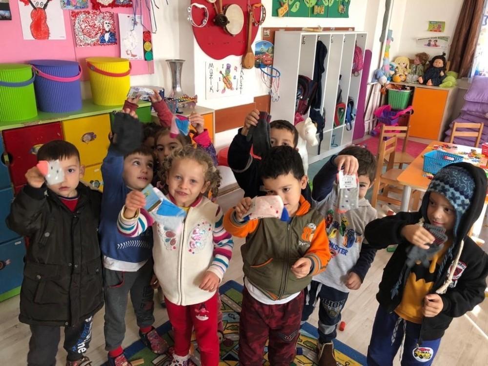 Manavgat'tan, köy okullarına Atkı, Bere, Eldiven ve Çorap