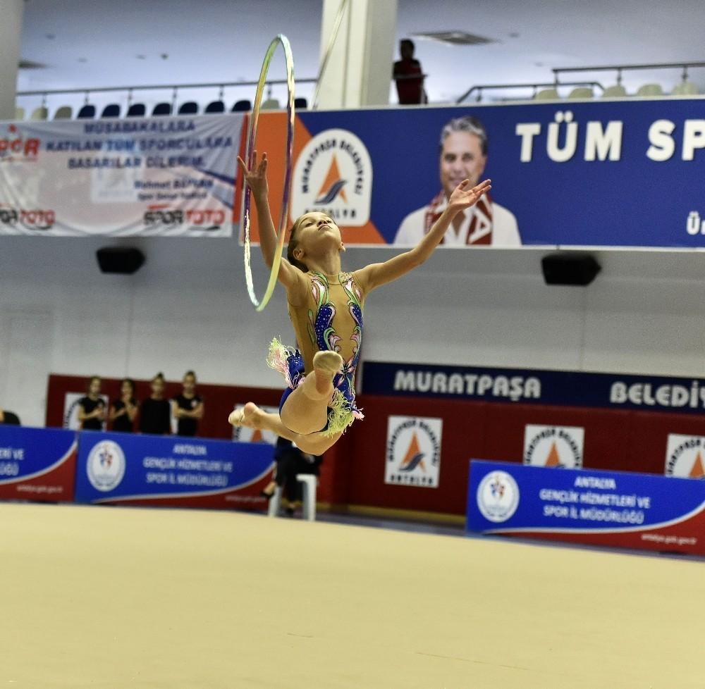Muratpaşa, 'Dostluk Kupası'na ev sahipliği yaptı