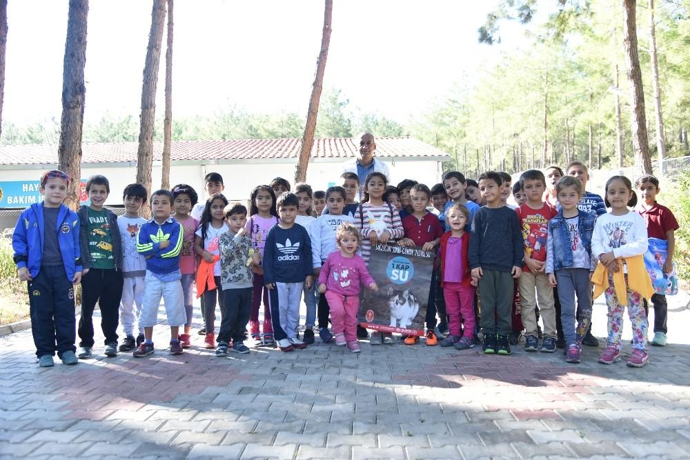 Öğrenciler Hayvan Bakım merkezini gezdi