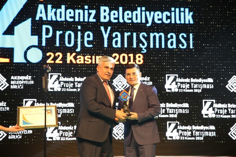 Serik'e Genç Fikir Proje ödülü