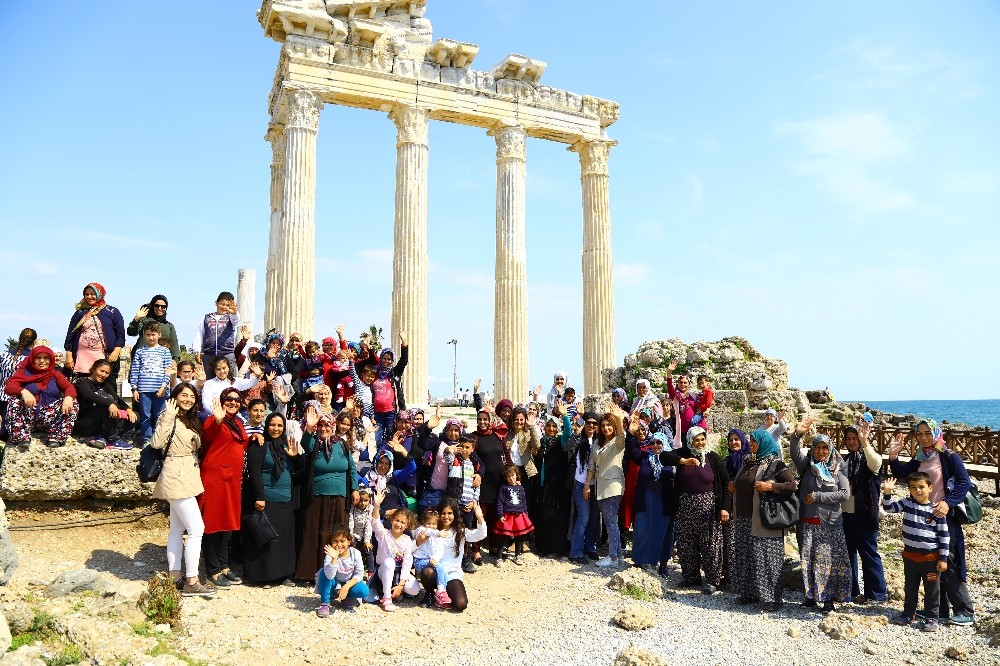 'Torosların Kadınları Manavgat'ı geziyor' Projesi tamamlandı