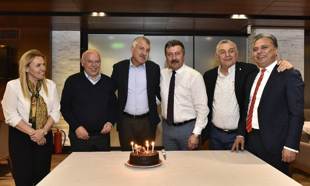 Ümit Uysal, belediye başkanlarını ağırladı