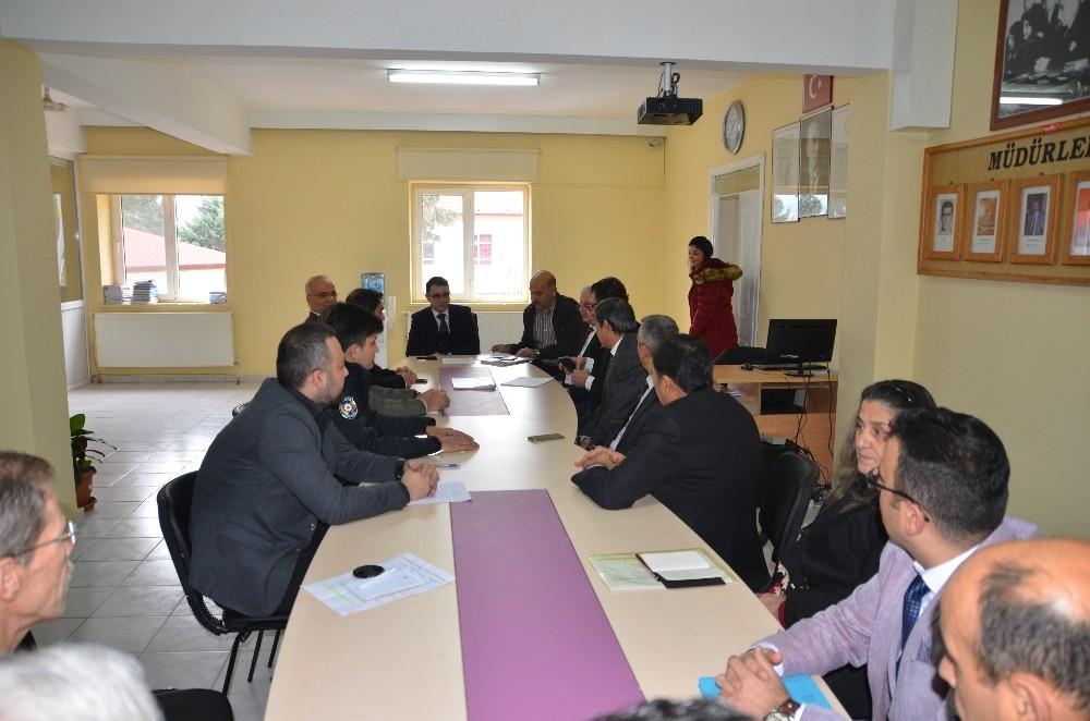 Akseki'de İlçe İdare Şube Başkanları toplantısı yapıldı