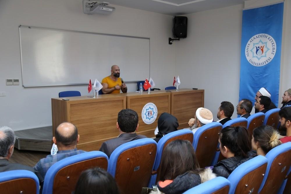 ALKÜ'de Şehit Kaymakam Safitürk'ün babası ve 15 Temmuz gazisi konuştu