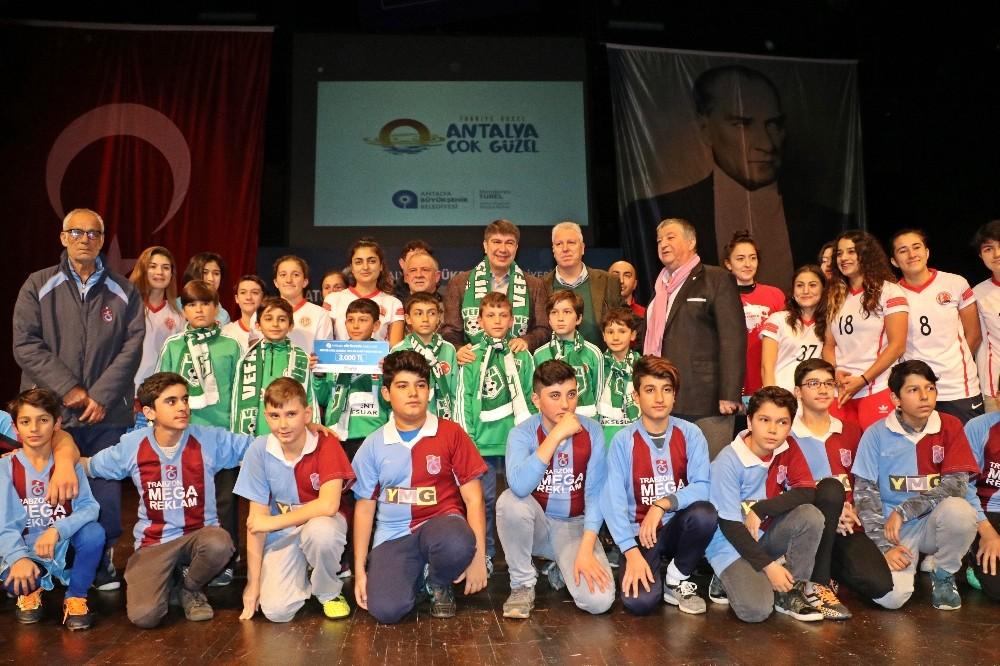 Antalya Büyükşehir'den 106 amatör kulübe 382 bin TL'lik destek