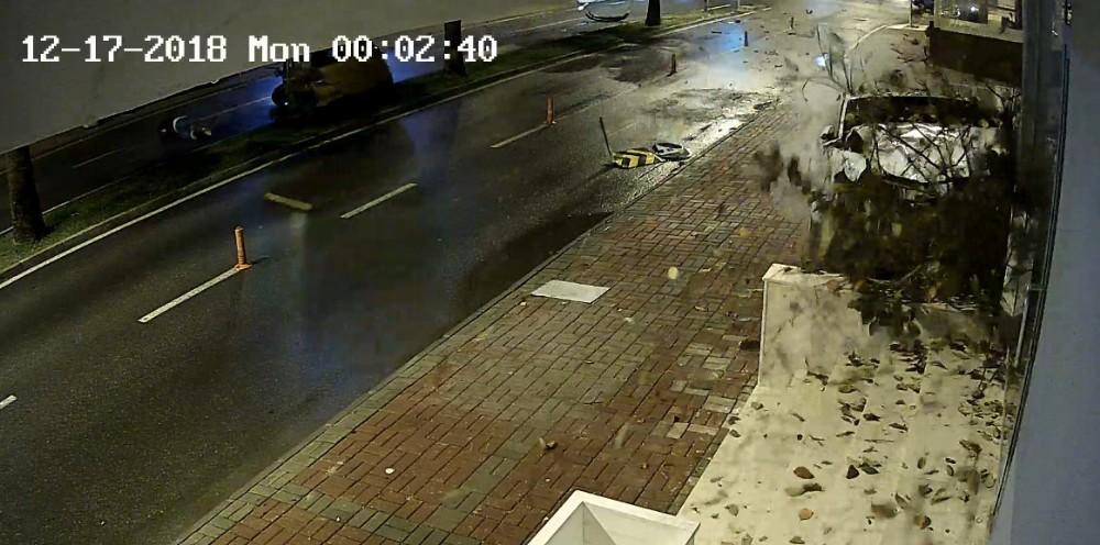 Antalya'da feci kazada inanılmaz kurtuluş
