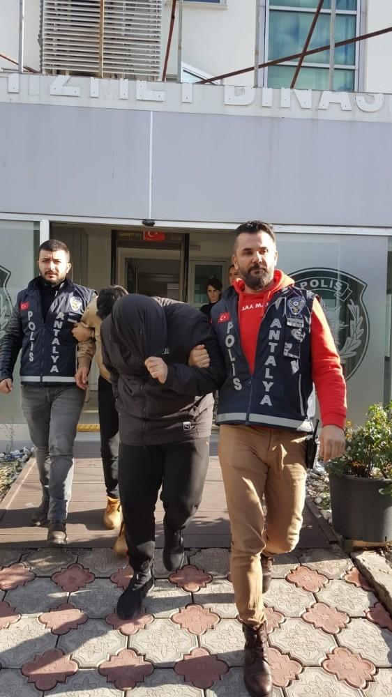 Antalya'da günü birlik hırsızlar yakalandı