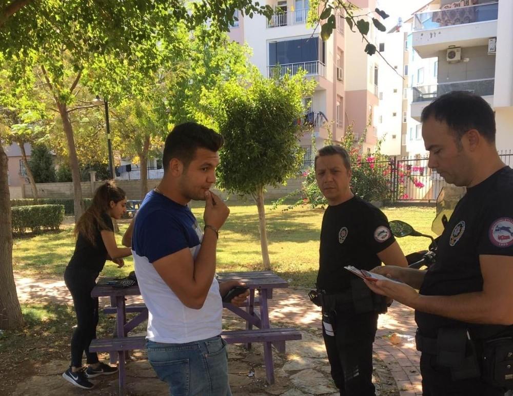 """Antalya'da """"Huzurlu Parklar ve Okul Önleri Uygulaması"""""""
