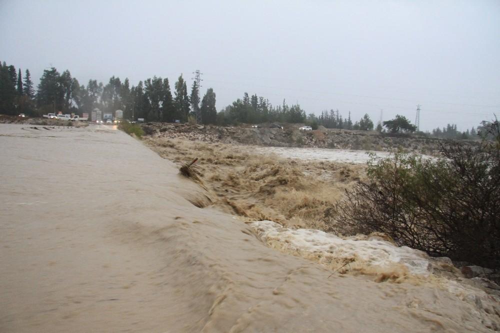 Antalya'da kuvvetli yağış