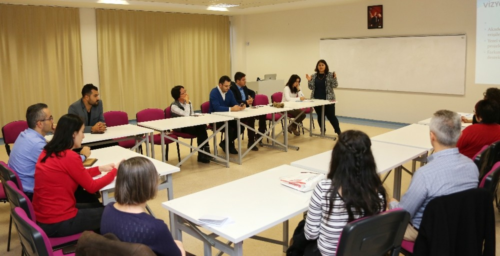 AÜ'DE Engelli Öğrenci Birim Temsilcileri Toplantısı