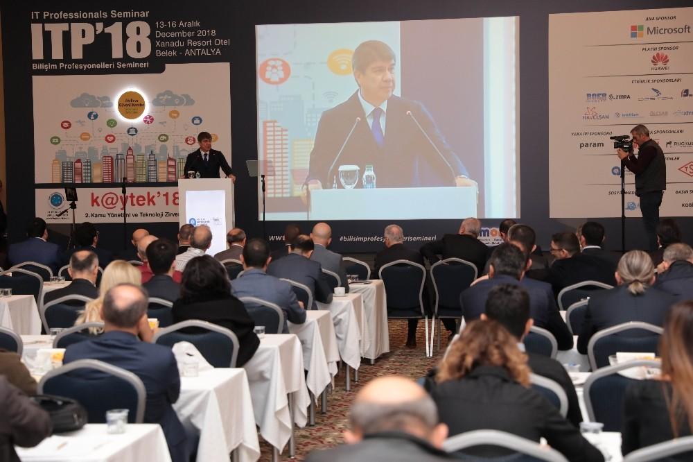 Başkan Türel, ITB'18 Bilişim Profesyonelleri Semineri'ne katıldı