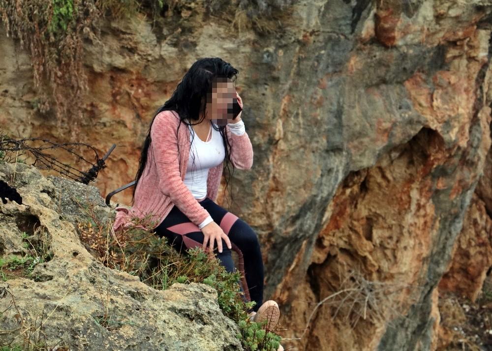Cezaevinden gelen telefon, intihardan vazgeçirdi