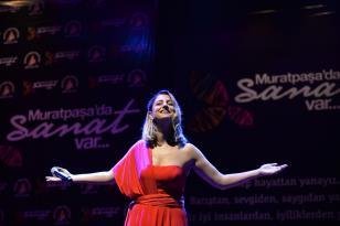 Dilek Türkan'la Türk müziğinde zamanda yolculuk