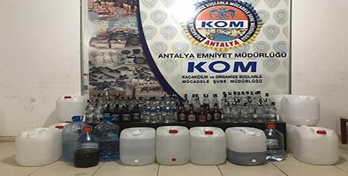Antalya'da Yılbaşı Öncesinde Yüklü Miktarda Sahte İçki Ele Geçirildi