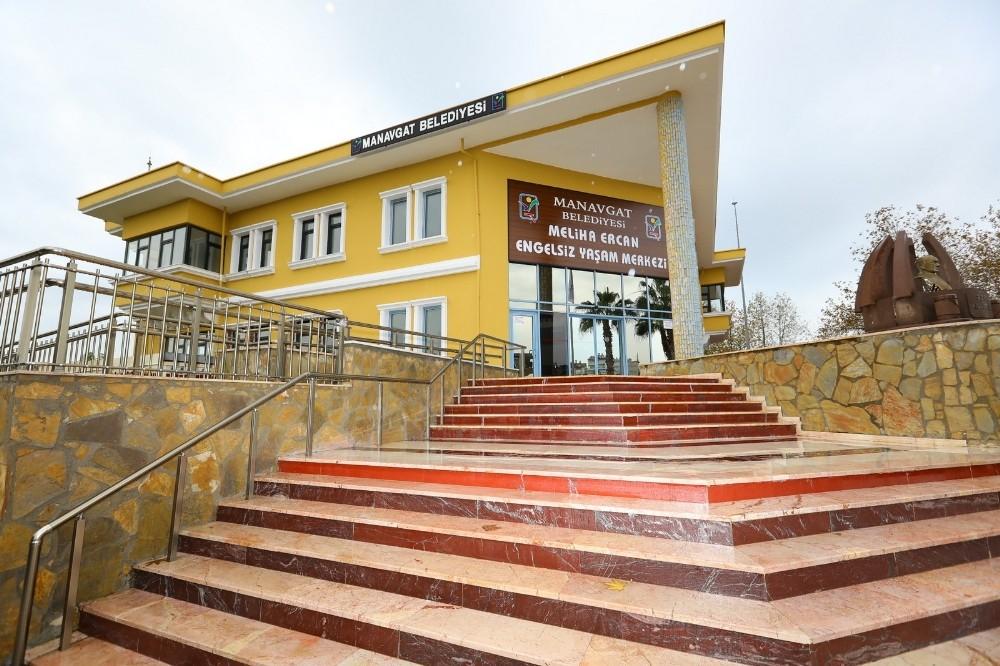 Manavgat Belediyesi'nden engelsiz yaşam merkezi